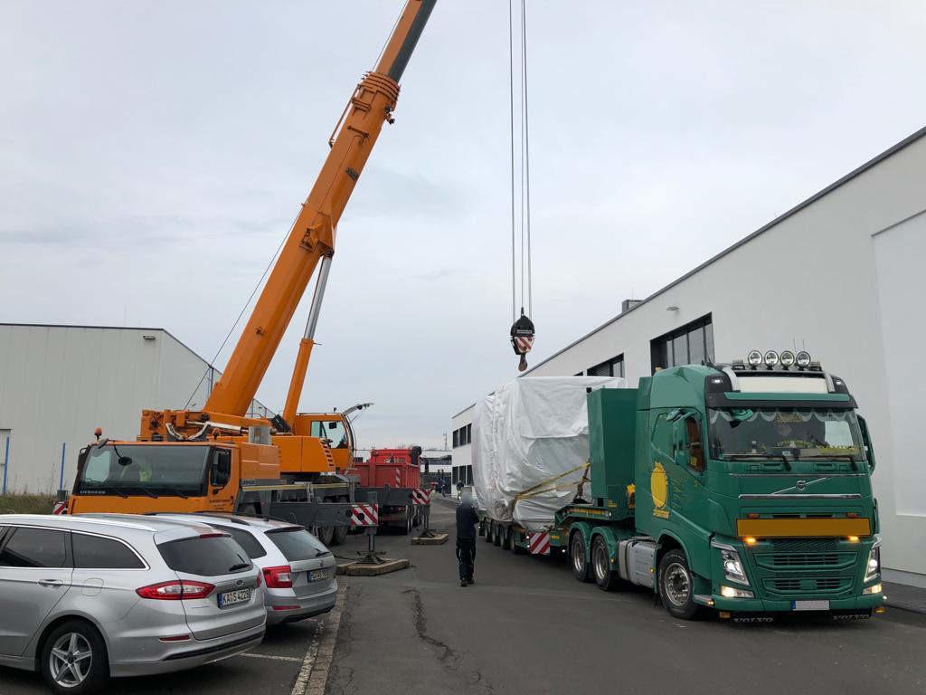 Speedlog - Partnerarbeiten mit Schwertransport - Speedlog GmbH - Internationale Spedition & Logistik